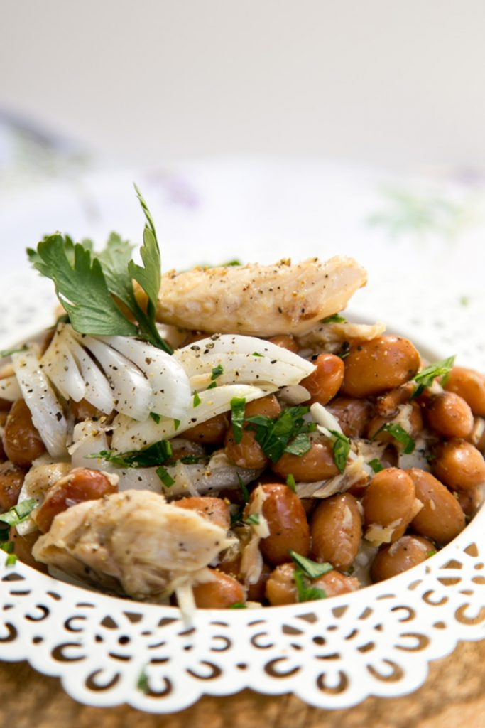 Beans, mackerel and onion salad - a cheap and quick Italian classic